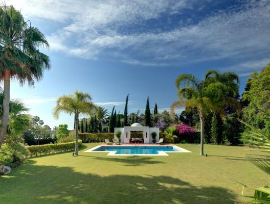 Villa Tamaya luxury villa rental Puerto Banus poolside