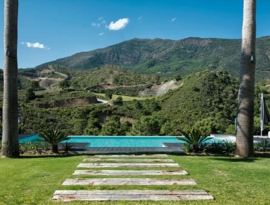 Villa Verdi La Zagaleta pool views