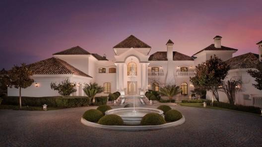 Large & Luxe Spanish Villas