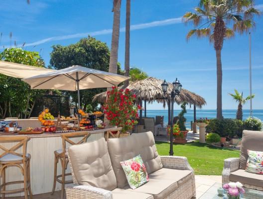 2 Villa Andreas luxury villa Marbella poolside breakfast