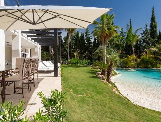 Villa Cristi Puerto Banus luxury villa summertime