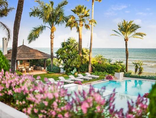 Villa Los Patios Marbella Platinum beachfront villa