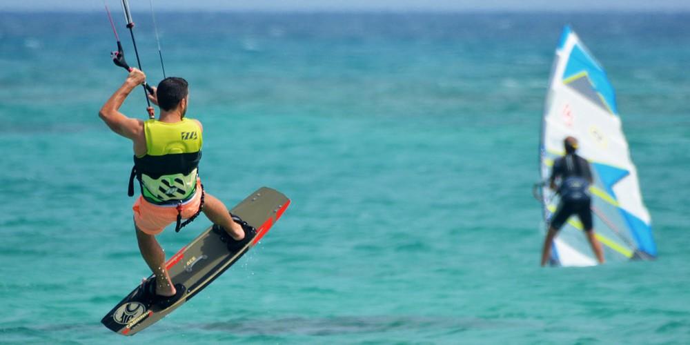 Kit Surfing in Tarifa