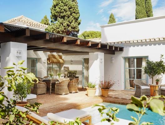 Luxury Villa Romero Marbella dining open air