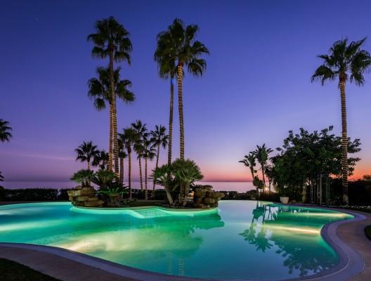 Villa Oceane Luxury Villa Marbella pool with sea view dusk2