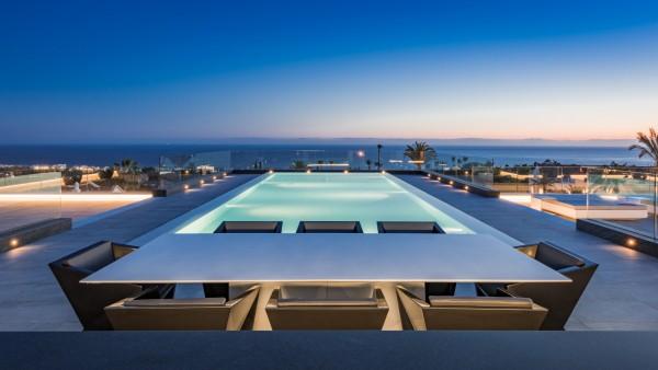 Villa Zenith incredible rooftop pool