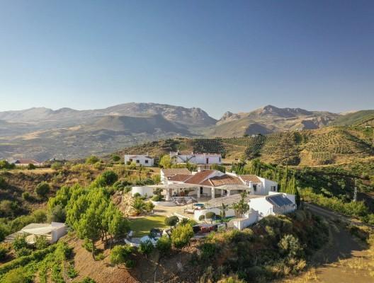 Casa Miralago inland Malaga villa. jpg