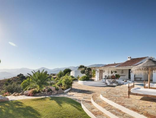 Casa Miralago luxury whitewashed Axarquia villa